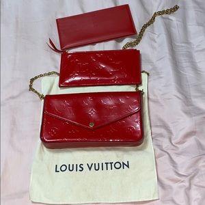 Louis Vuitton Red Cross body ( 3 pieces )
